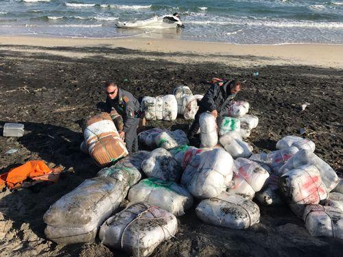 Lecce maxi sequestro di marijuana sul litorale Adriatico