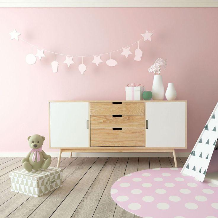 Une rose délicate pour une chambre de bébé douce   – Inspiration shopping, par Côté Maison