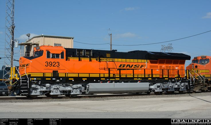 Bnsf 3923 Ge Et44c4 A Tier 4 Locomotive Is Shown At