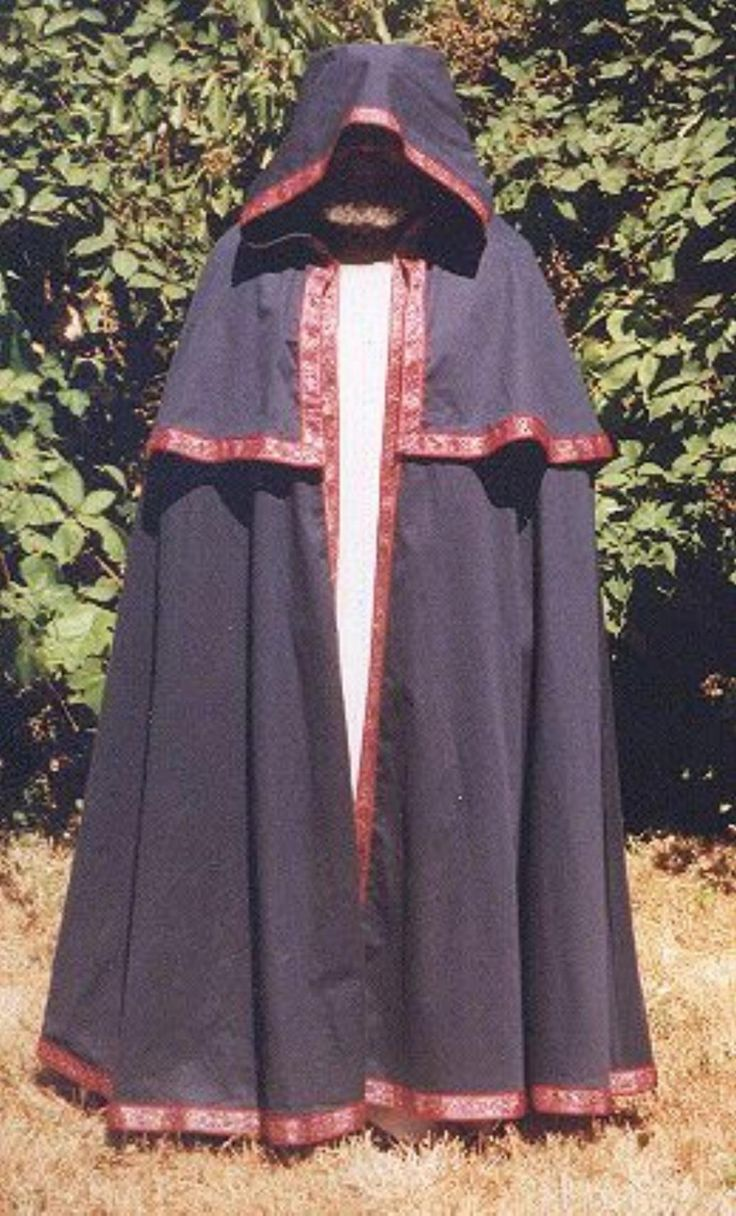 Whether for a costume or just keeping warm, a cape or cloak can be great.  Learn how to sew your own, or try the no-sew cape method! - could probably be adjusted for a more 19th c look