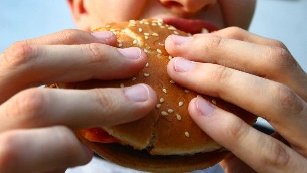 HEALTH - Young people smoke and drink less, but eat more fast food