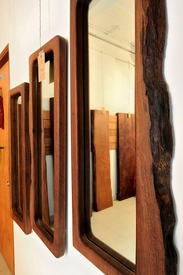 La madera vuelve a ocupar el lugar que se merece en la decoración. Mira estos espejos de la tienda CoastEcoTimber, en Bella Vista que recupera madera del lago Bayano.