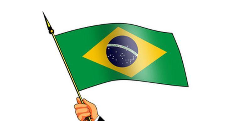 Como renunciar à cidadania brasileira?. Para se tornar um cidadão de outro país, muitas vezes você deve renunciar à cidadania do seu país de origem. Alguns países reconhecem a dupla cidadania, mas você precisa obedecer às leis tributárias de ambos os locais, porque é duplamente responsável. No Brasil, você só pode renunciar a sua cidadania após o início do processo de naturalização em ...