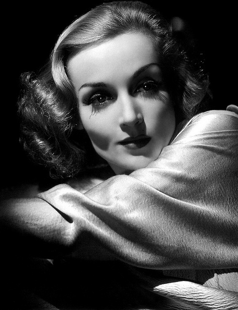 Carole Lombard - by George Hurrell 1937. V