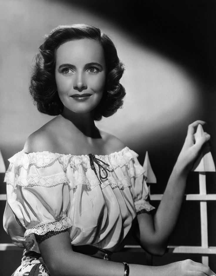 Teresa Wright :) One of my favorite Actresses :) Not a huge actress but a great one.