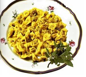 Tortellini di Valeggio sul Mincio (Verona) al burro e salvia