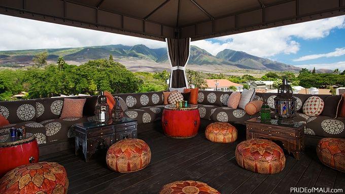 Maui: Fleetwood's in Lahaina.  Rooftop bar, fabulous cocktail menu, live music.