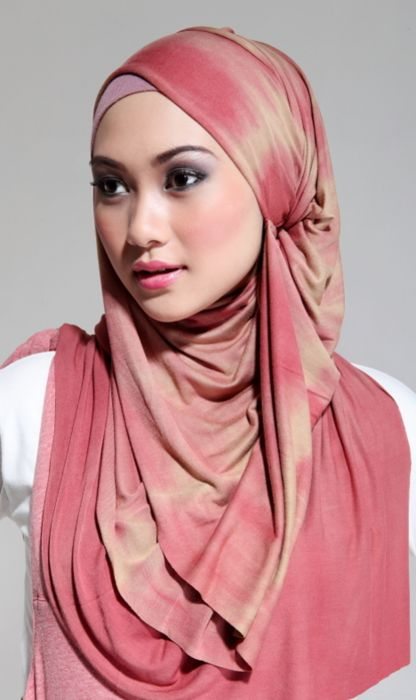 Pink Hijab, nice draping