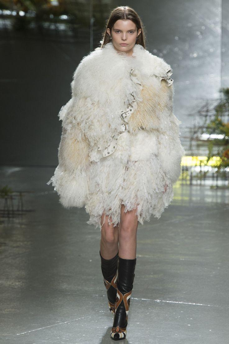Innenfarben für die halle  best high fashion images on pinterest  high fashion fashion