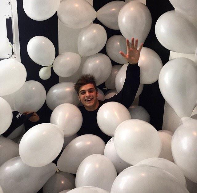 Martin Garrix #Balloons #White