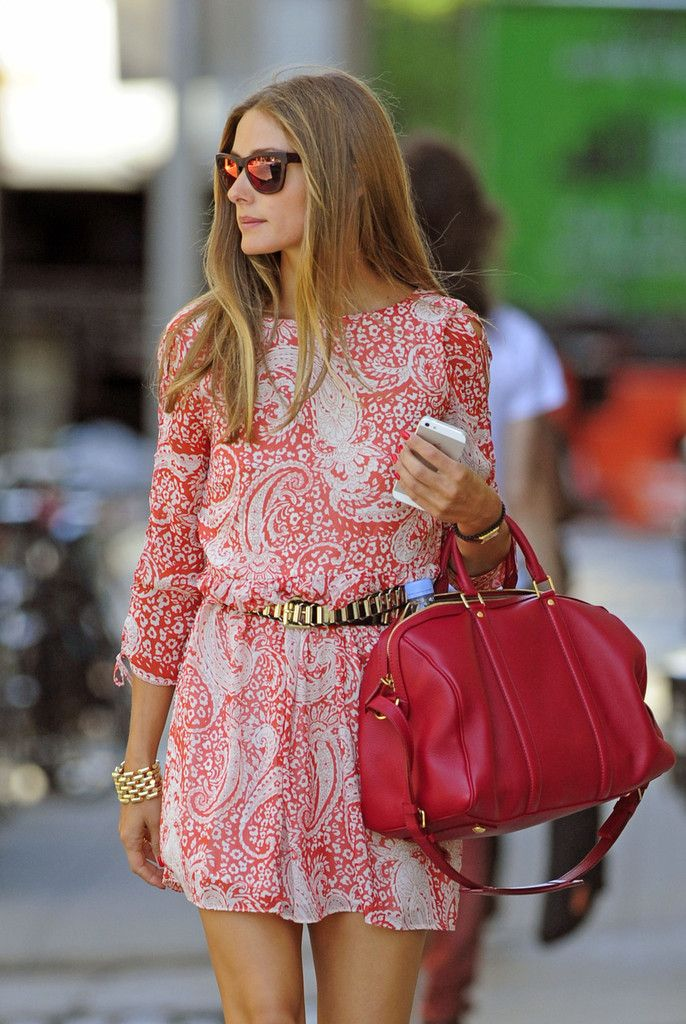 The bag is rubbish m not into the posh styling but my gosh thats a pretty dress!