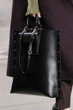 goodliness handbags and purses diy patterns 2017 fashion new bags 2018.  Mulberry at London Fashion Week Fall 2016 - Details Runway Photos 49e18d5ffa