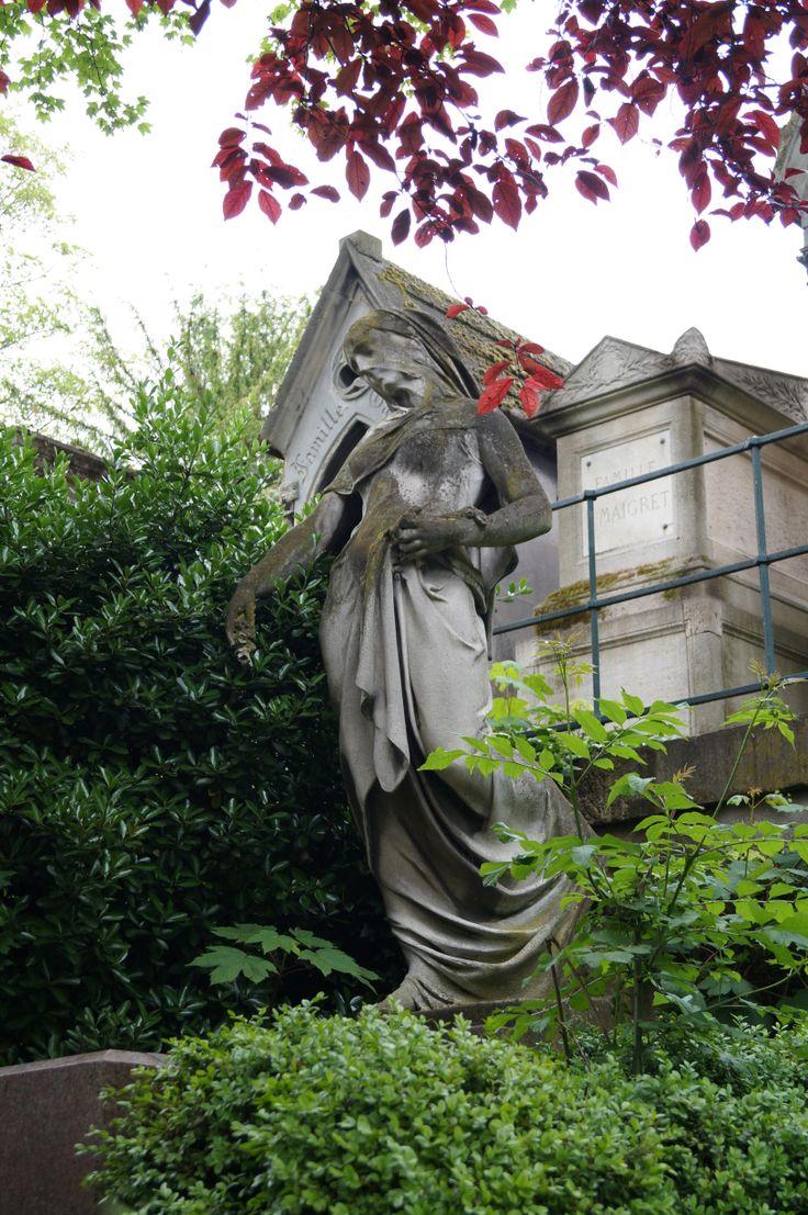 Red leaves. Foto tomada en el Cementerio de Père-Lachaise, Paris.