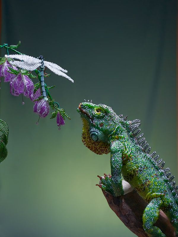 amazingly realistic beaded Iguana from biser.info