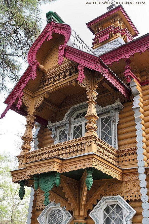 Closer look from Nikolay Bugrov's house. (Merchant in 1880's Nizhny Novgorod) http://englishrussia.com/2015/04/21/the-house-of-a-russian-merchant/2/