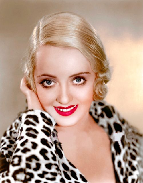 Bette Davis // Hair: blonde - Eyes: blue - Height: 160 cm - Background: English - Nationality: American