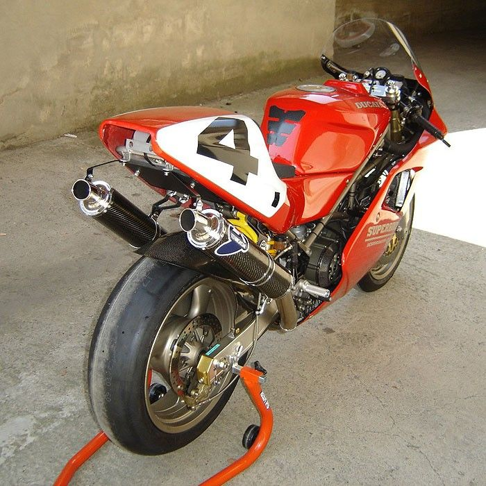 Ducati 888 race