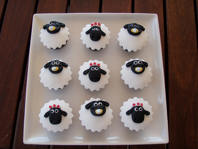 Shaun the Sheep. Baby Timmy & his mum cupcakes by Mossy's Masterpiece cake/cupcake designs