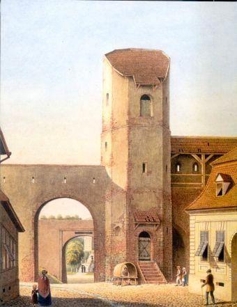Turn construit in secolul 14 (parte din al treilea cordon de fortificatii ce apara Orasul de Sus). A fost demolat in anul 1854 impreuna cu majoritatea fortificatiilor Sibiului. Poarta ce se afla langa turn a fost creata la sfarsitul secolul al 18-lea pentru a inlesni traficul.