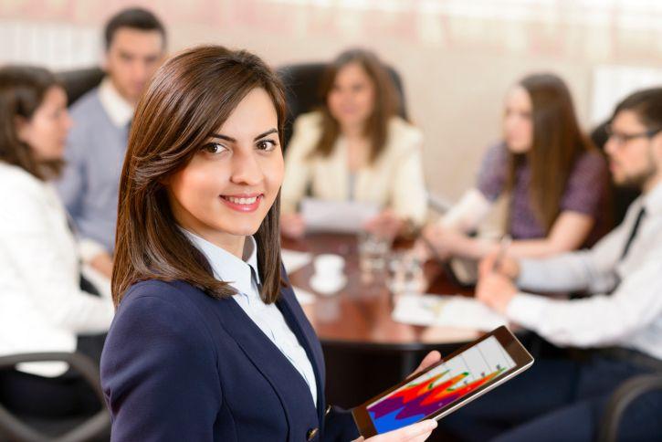 Sudah tentu bagi setiap wanita karir ingin memiliki penampilan yang profesional di kantor. Berikut ini adalah lampiran yang membahas tips berpenampilan profesional di kantor. #tips #kantor #lifestyle