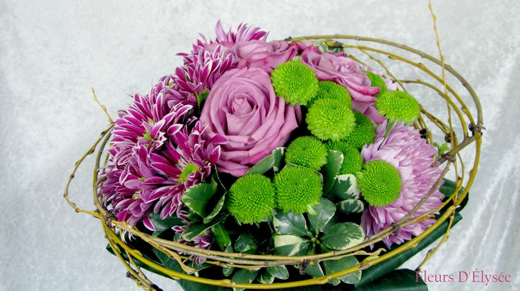 Bouquet de roses purple cezane, cremon, chrysanthème vert et salix.