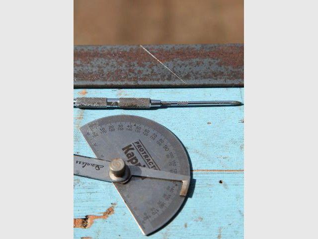 Prise de mesures de l'encadrement et fabrication du cadre - Heïdi Vallon