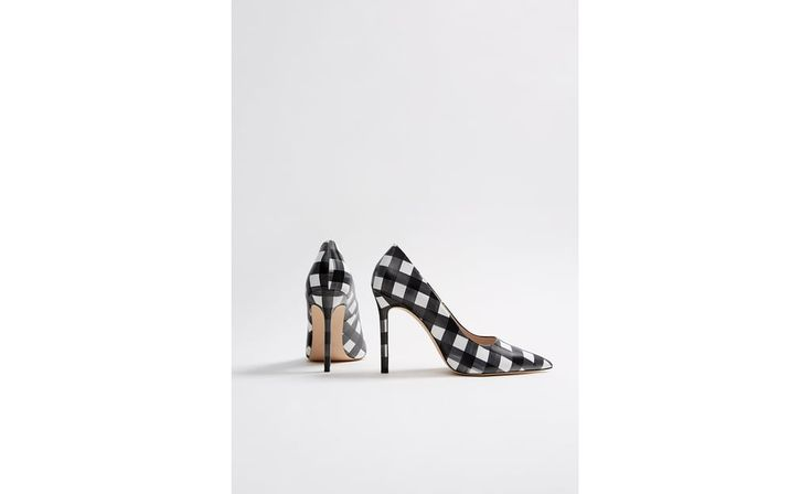 https://www.zara.com/es/es/mujer-zapatos-l1251.html
