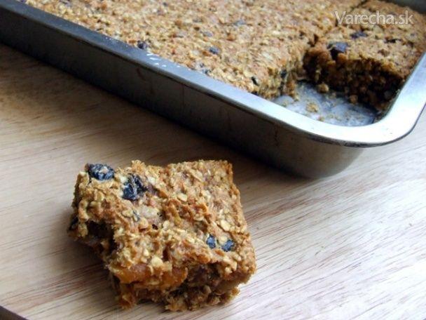 Zdravý mrkvový koláč so sušeným ovocím - vegan (fotorecept) - Recept