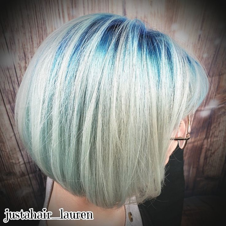 Platinum With Blue Roots Hair Rooted Haircolor Roots Hair Short Hair Styles Bob Hairstyles