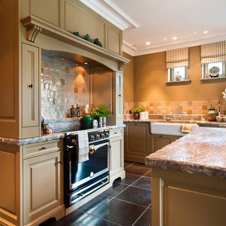 Meer dan 1000 idee n over engelse stijl op pinterest engels land lattenbodems en cottages - Stijl land keuken chique ...