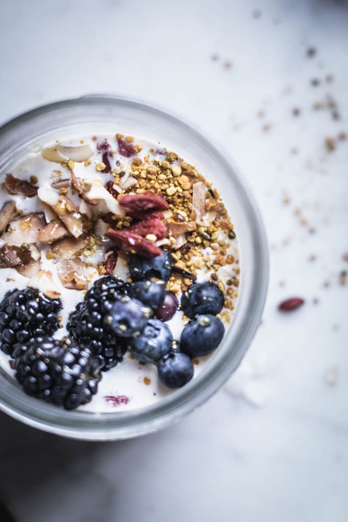 creamy overnight oats with bee pollen, goji berries, and coconut