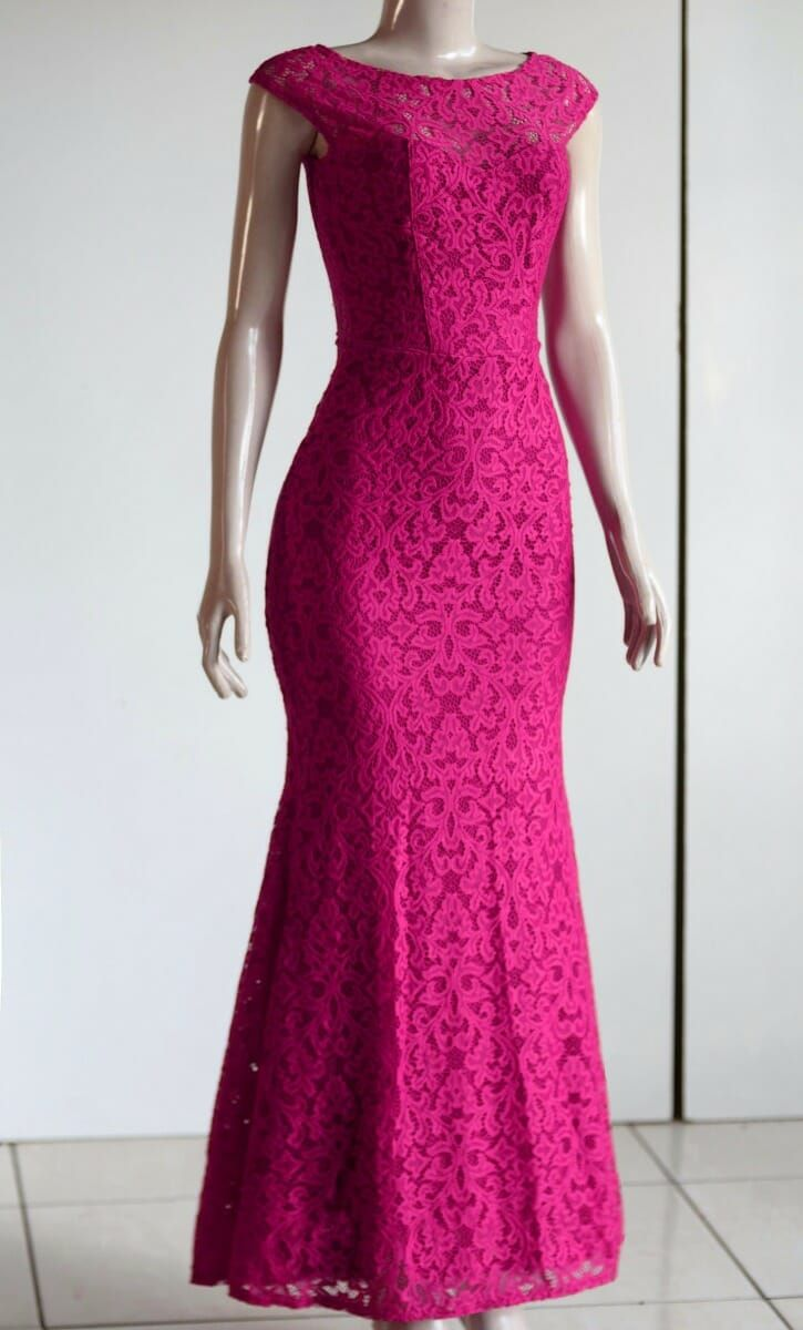 9df33e5e822 Vestido De Festa Longo Em Renda Características Comprimento Longo Material  Renda e elastano Tipo do vestido