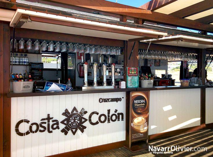 Zona de barra de Chiringuito Costa Colón en Mazagón, Huelva.  #chiringuito #caseta #kiosco #beachbar #Mazagon #Huelva #Andalucia #beachtime #navarrolivier #madera #restaurant
