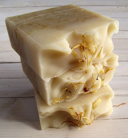 Calendula and Tea Tree Soap - Bulles et Molecules - Handmade Natural Eco-luxury Soaps made with essential oils and shea butter - green living - natural beauty soaps and bath products