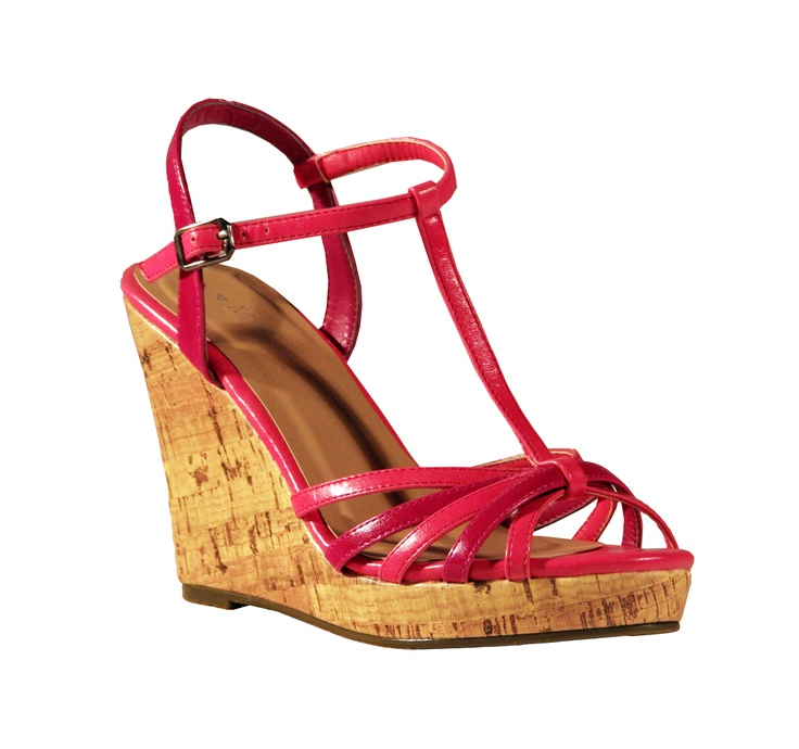 Casual Friday's Madison's new simple yet stylish Paulini wedge. Perfect for a casual day out!