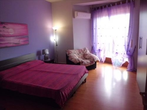 Siracusa - Una camera dalle tonalità del viola per dare quel tocco di sensualità e raffinatezza alla camera da letto. #arredamento #homestaging #interiordesign #design #home  #atticoit #cameradaletto