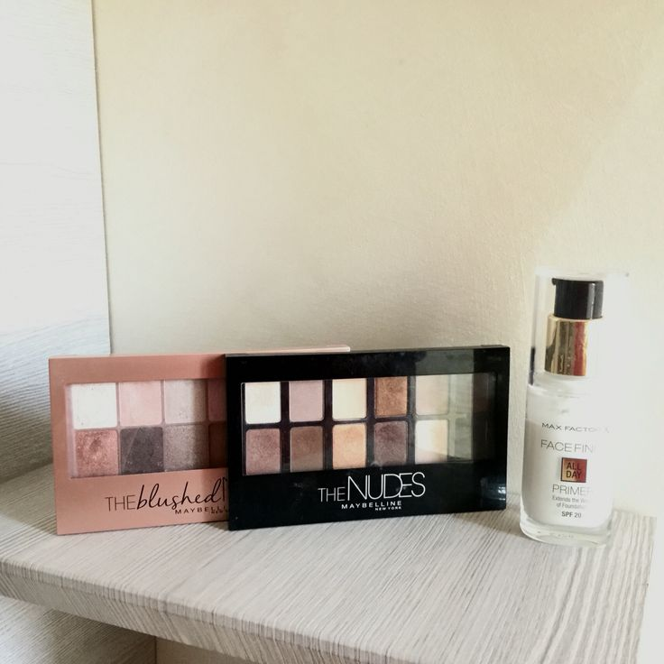 Sisters in blog: the beautiful maybelline palette!!! And Max Factor primer!! Visit our blog!!!!