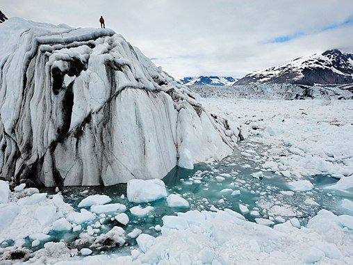 Chasing Ice by James Balog is a documentary about disappearing glaciers and the subsequent changing world landscape and features remarkable images of a dozen glacial landscapes which were shot every half hour since 2007. #Iceberg #Extreme_Ice_Survey #James_Balog