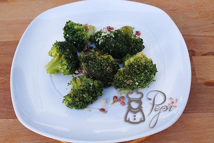Cocina con tu Thermomix Brócoli al ajillo con jamón de una forma sencilla y rápida - Recetas Thermomix fáciles