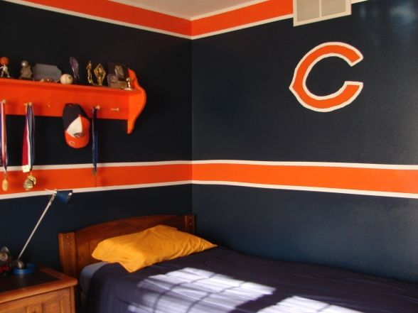 Chicago Bears Room! This would make me cry and I am so not showing my husband.