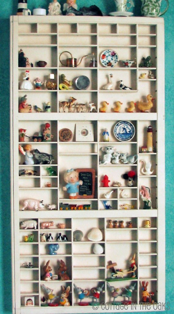 Using vintage printers trays to display collections