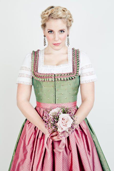 lena-hoschek-dirndl-gesine.jpg (467×700)