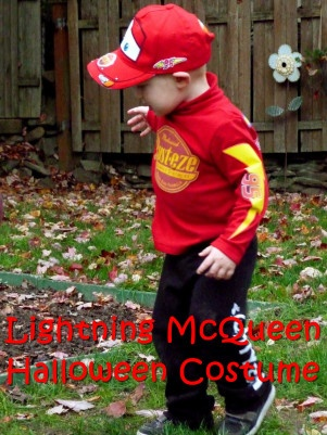 Lightning McQueen costume- Julian could wear this for his party! How cute!