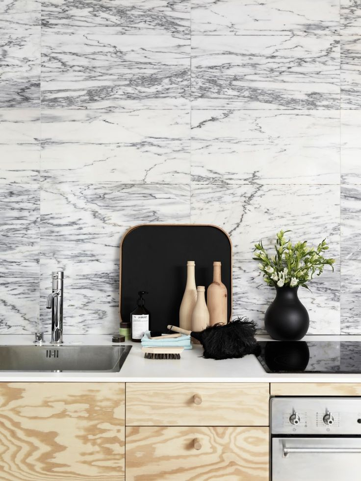 wood and marble both in strong pattern -why not?