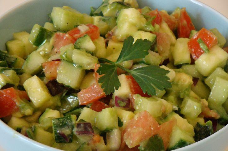 Natuurlijk Gezond en Mooi: Israëlische salade met avocado