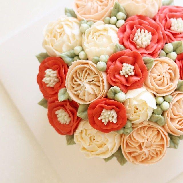 GD morning ❕ #flowercake #flowercakeclass #blossom #마이디어케이크 #플라워케이크 #베이킹클래스 #마이디어 #영통 #동탄 #광교 #윌튼 #wiltoncake #wilton #bakingclass #korea #cake #cakedesign