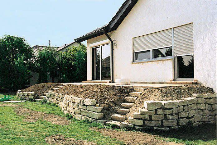 terrassenbeete auf hohem niveau garten terrasse garten und natursteinmauer. Black Bedroom Furniture Sets. Home Design Ideas
