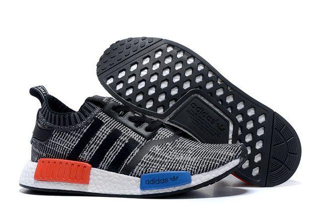 Pin Di Sepatu Adidas
