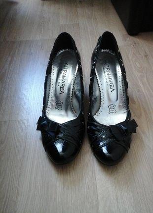 À vendre sur #vintedfrance ! http://www.vinted.fr/chaussures-femmes/escarpins-and-talons/14973070-chaussures-italiennes-noires-vernis