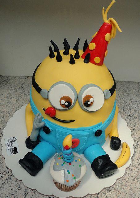 minion cake!!! I absolutely LOVE it!! @Marla Landreth Landreth Landreth McCoy perfect for my lil minion!!